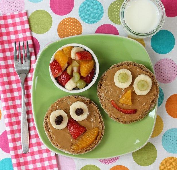 Peanut Butter Smiley Faces via LizsHealthyTable.com