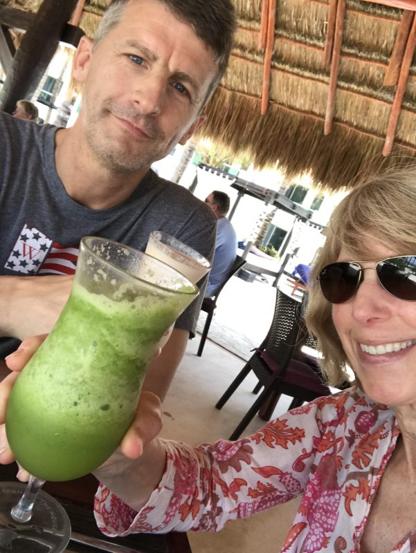 El Dorado Casitas Royale - vacation via lpzshealthytable.com #experienceeldorado smoothie