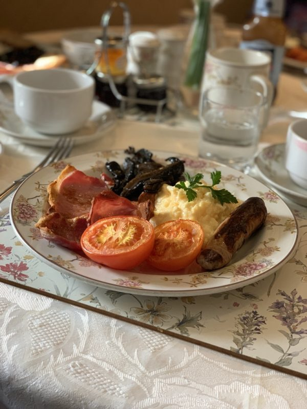 England food and adventure via lizshelthytable.com #england full english breakfast