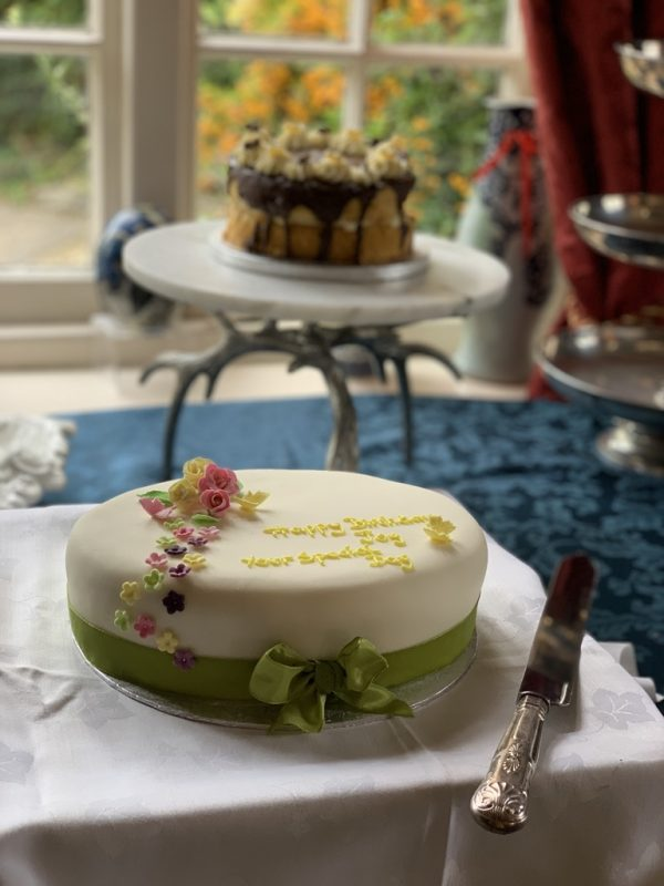 England food and adventure via lizshelthytable.com #england fruit cake